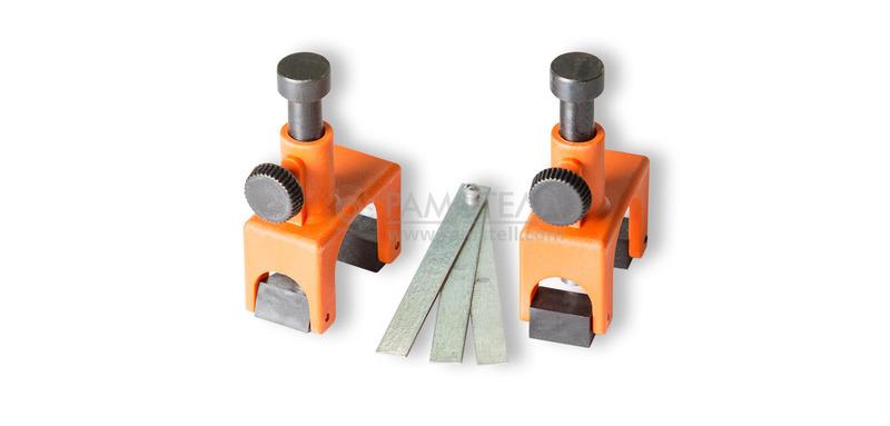 Комплект магнитных приспособлений д/выставл ножей 2 шт.